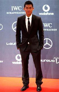 劳伦斯颁奖林丹弗格森红毯秀好莱坞明星客串主持