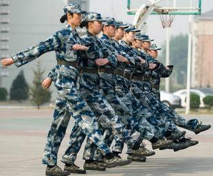 女排军训结束12日赴漳州惠若琪朱婷当标兵(图)
