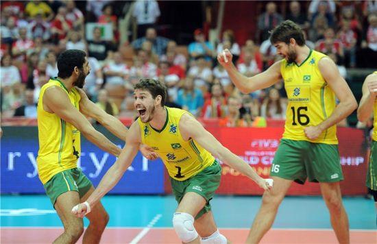 巴西男排庆祝