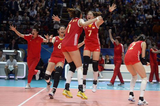 中国女排3-1力克东道主与美国队会师决赛