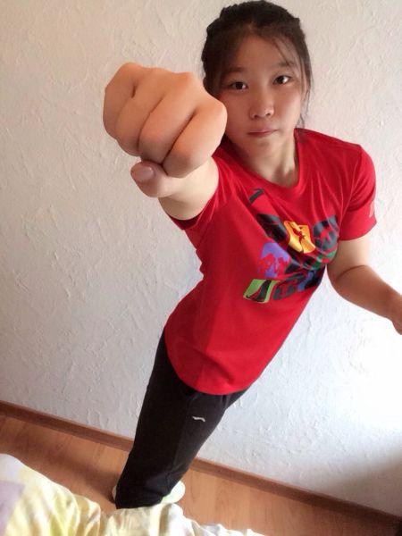 许诺 许诺 姓名:许诺 性别:女 出生地:江苏省睢宁县 出生日期:  1996... 中国自由式