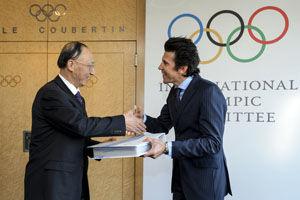 北京冬奥申委按时向国际奥委会提交申办报告