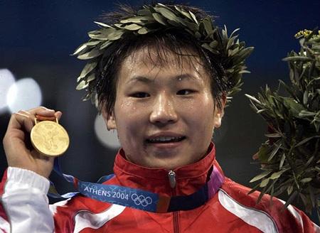 图文-雅典奥运(28届)中国金牌榜 王旭大黑马摘金
