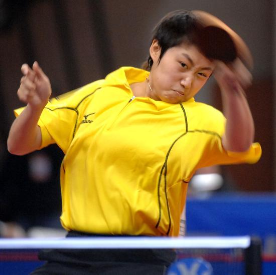 图文-全国乒乓球赛辽宁夺女团冠军郭跃精灵古怪