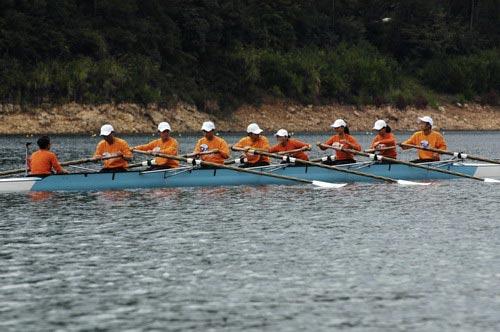图文-奥运舵手总决赛第一集大家为了宋敏一起努力