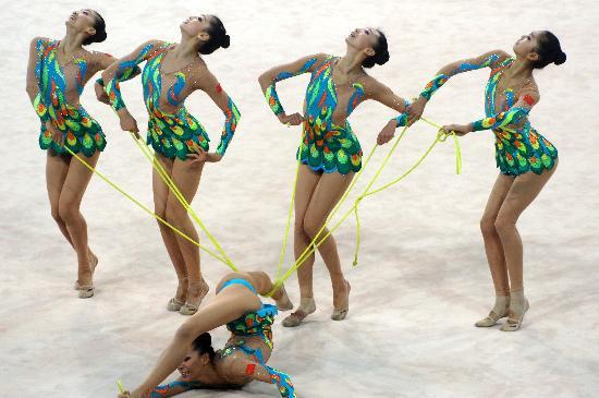 图文-好运北京艺术体操国际邀请赛中国队步调一致