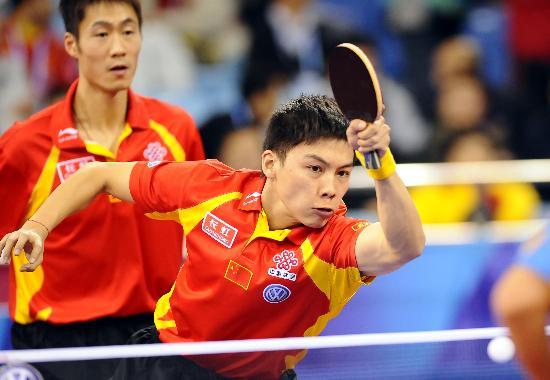 图文-国际乒联总决赛男双决赛陈�^/王励勤夺冠