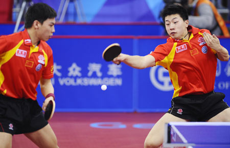 图文-08测试赛中国男乒3比0韩国夺冠陈�^马龙默契