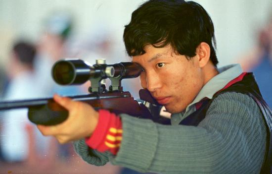 图文-中国历届夏季奥运会金牌得主 神枪手李玉伟
