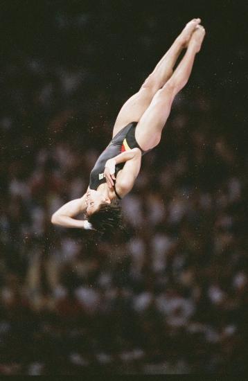 图文-中国历届夏季奥运会金牌得主 伏明霞一人双金