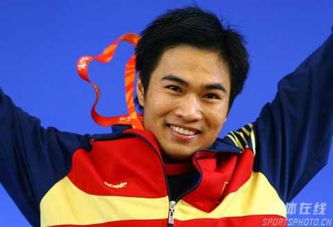 图文-08国际举重赛男子56公斤级赛况黄英俊勇夺桂冠