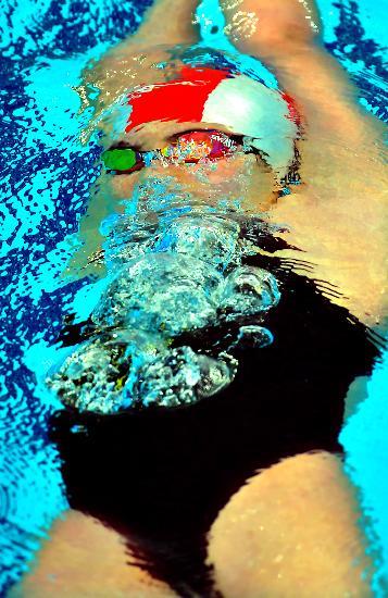 图文-奥运游泳测试赛5日赛况 于锐水下吞云吐雾