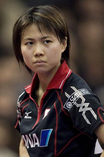图文-女团半决赛日本0-3新加坡平野早矢香的眼神