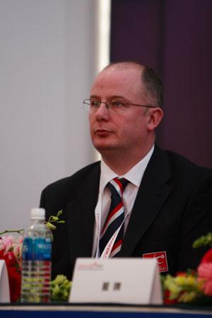 图文-众星闪耀斯诺克中国公开赛世界台协赛事经理甘利