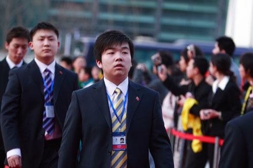 图文-众星闪耀斯诺克中国公开赛李远将挑战傅家俊