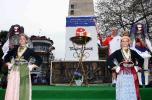 图文-北京奥运圣火传递第四日 纳乌萨市的火炬手