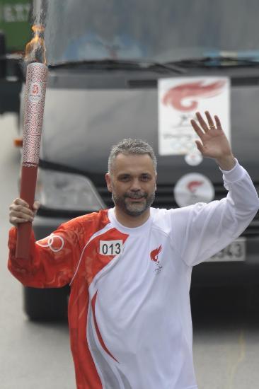 图文-奥运圣火在伊斯坦布尔传递 我是光荣火炬手