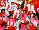 图文-北京奥运圣火在旧金山传递 外国朋友也打腰鼓