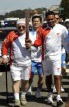 图文-北京奥运会火炬旧金山传递 普里库佩特斯