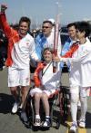 图文-北京奥运会火炬在旧金山传递 三名火炬手
