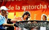 图文-圣火在布宜诺斯艾利斯传递 小心翼翼
