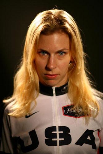 图文-美国奥运代表团成员写真哈默尔金发撩人