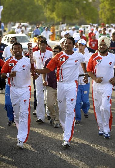 图文-北京奥运圣火在新德里传递 每个人都充满喜悦