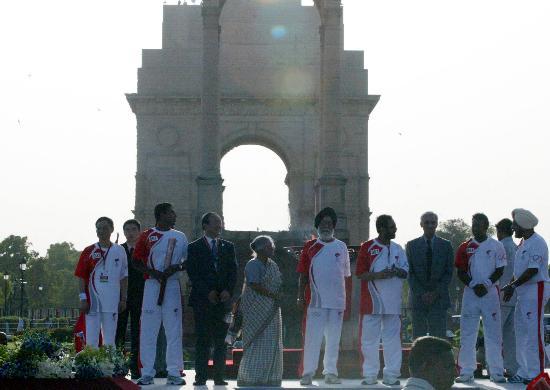 图文-北京奥运圣火在新德里传递 庄严的时刻来到了