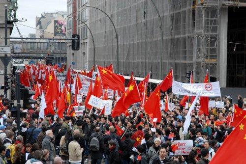 柏林上演千人游行