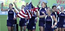 图文-美国女曲3-1比利时获奥运资格集体庆祝
