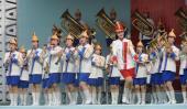 图文-北京奥运会火炬在平壤传递 朝鲜乐队精彩表演