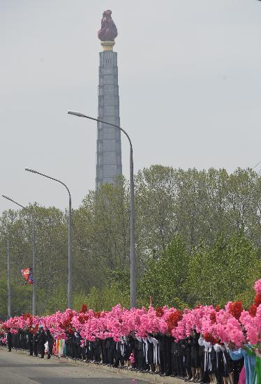 图文-北京奥运会火炬在平壤传递 主体思想塔迎圣火