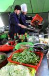 图文-探访珠峰5200米大本营 珠峰上烹饪美食