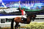 图文-北京奥运圣火在香港传递 马术运动看我表演
