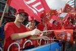 图文-北京奥运圣火在三亚传递 为传递呐喊加油