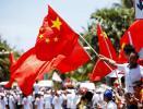 图文-北京奥运圣火在三亚传递 沿途群众热情高涨