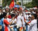 图文-北京奥运圣火在三亚传递 帅气的黄晓明