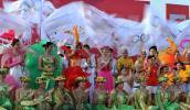 图文-2008年奥运会火炬在海口传递 洋溢着节日气氛