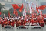 图文-北京奥运圣火在南昌传递 南昌民众展现热情