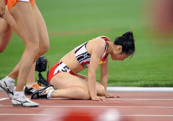图文-中国田径公开赛23日 王金萍获女子400米亚军