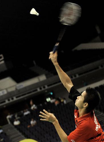 图文-新加坡羽球赛半决赛赛况桑托索将决战李宗伟