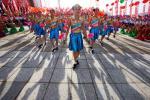 图文-奥运圣火在宁夏中卫传递 演员们倾情表演