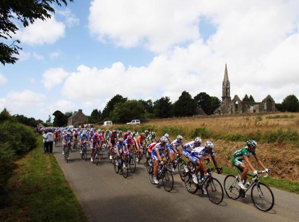 图文-2008环法自行车赛第一阶段如画的乡村景色