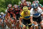 图文-环法自行车赛第七赛段结束车手争夺十分激烈