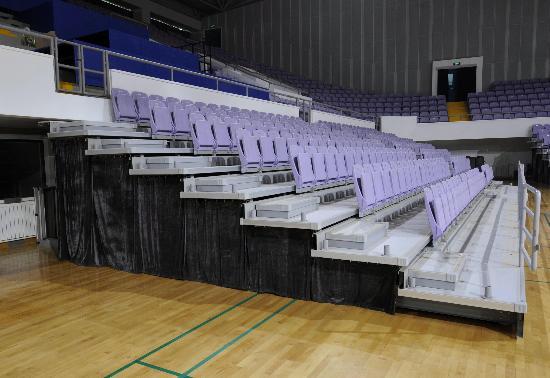 图文-改扩建后的奥体中心体育馆 临时观众座席