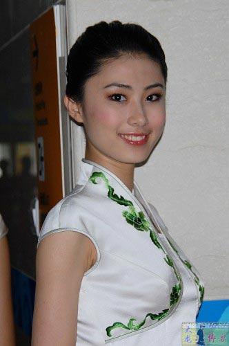 图文-奥运颁奖礼仪志愿者风采 女孩微笑明眸皓齿