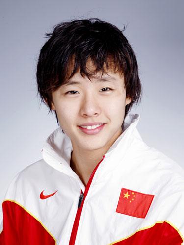图文-北京奥运会中国代表团成立 游泳队队员王群