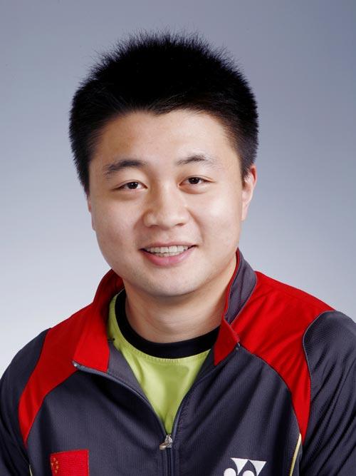 图文-北京奥运会中国代表团成立 羽毛球队员郑波
