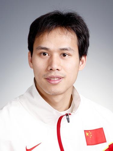 图文-北京奥运会中国代表团成立击剑队队员尹练池