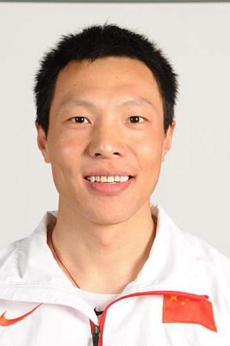图文-北京奥运会中国代表团成立 自行车队员张磊